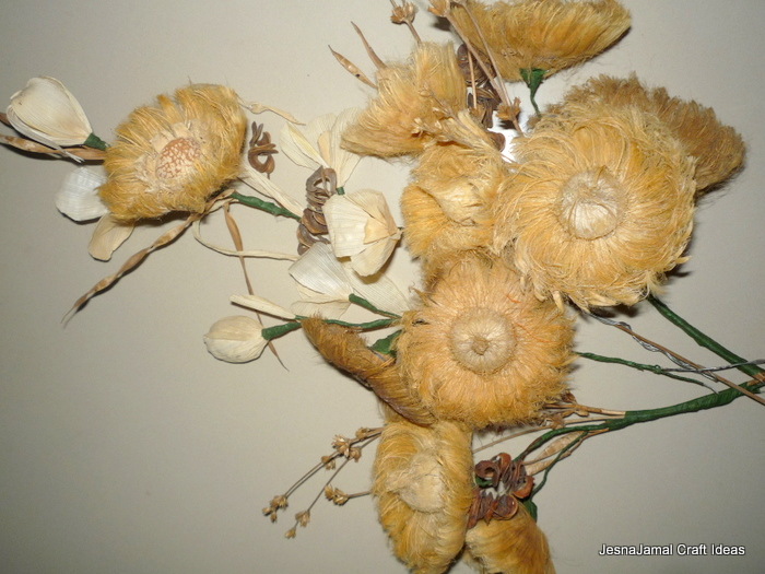 dry flower arrangement